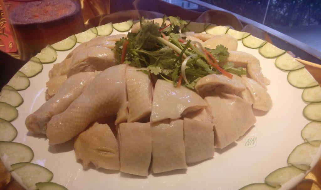 Ayam Kukus dengan Keong Chung
