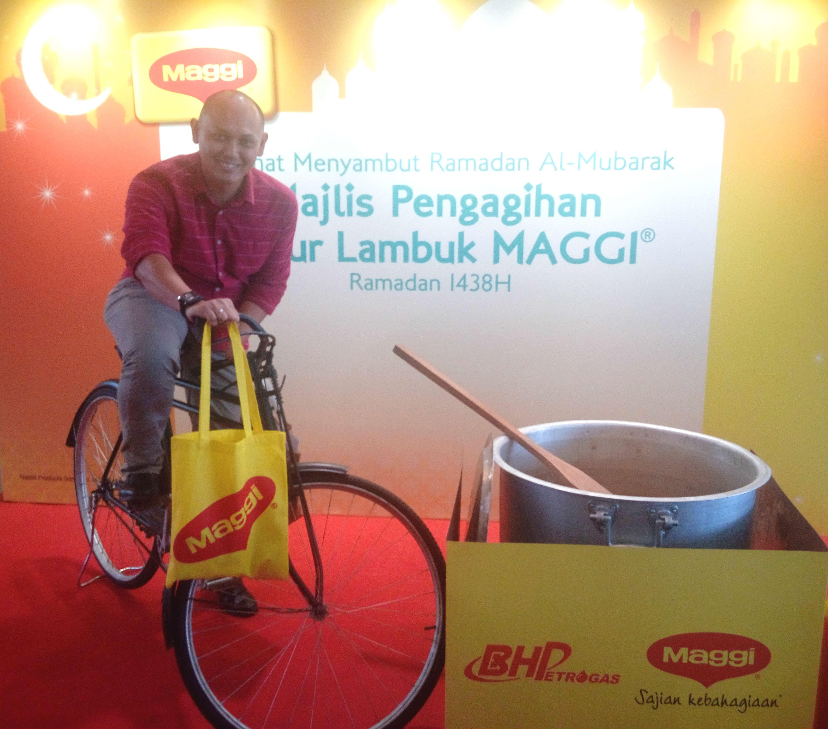 Jom agih Maggi bubur lambuk dengan basikal tua