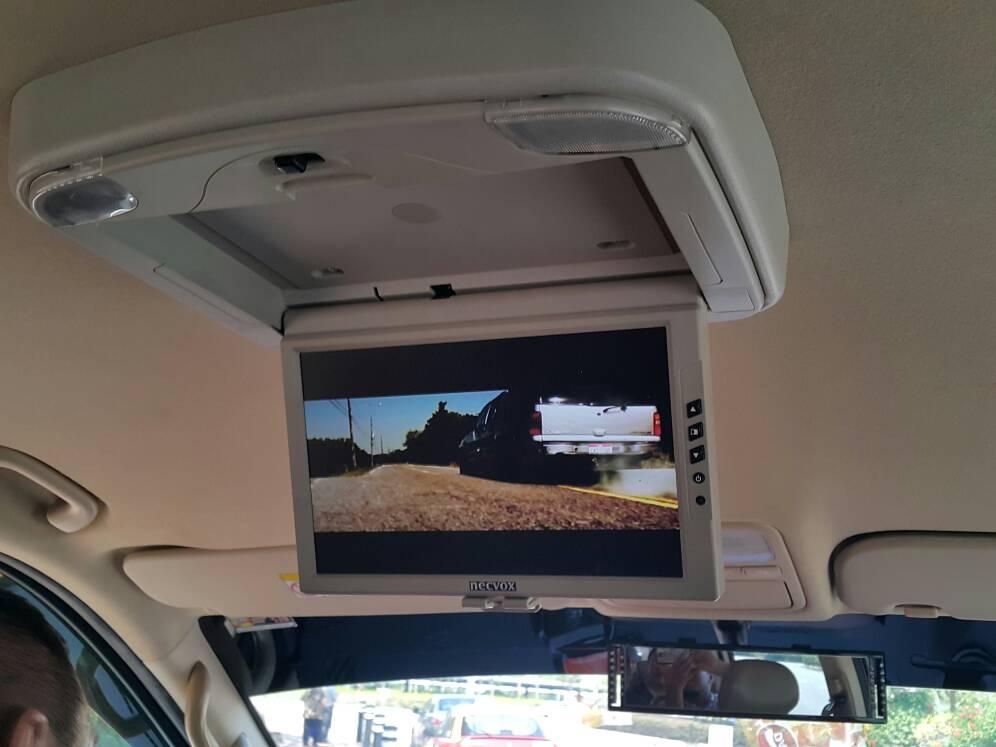 LCD diruang penumpang