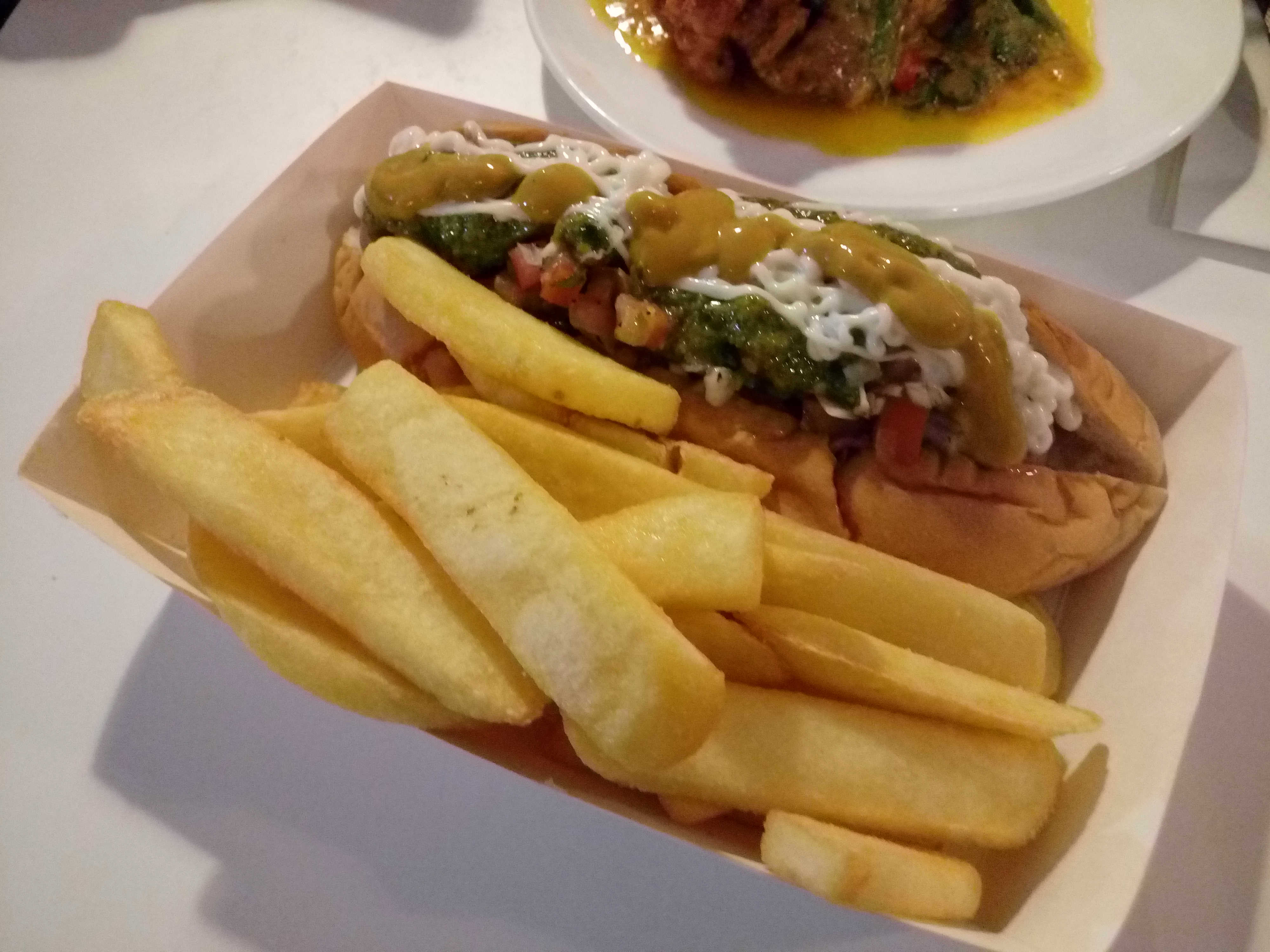 Texas Hotdog with Chips