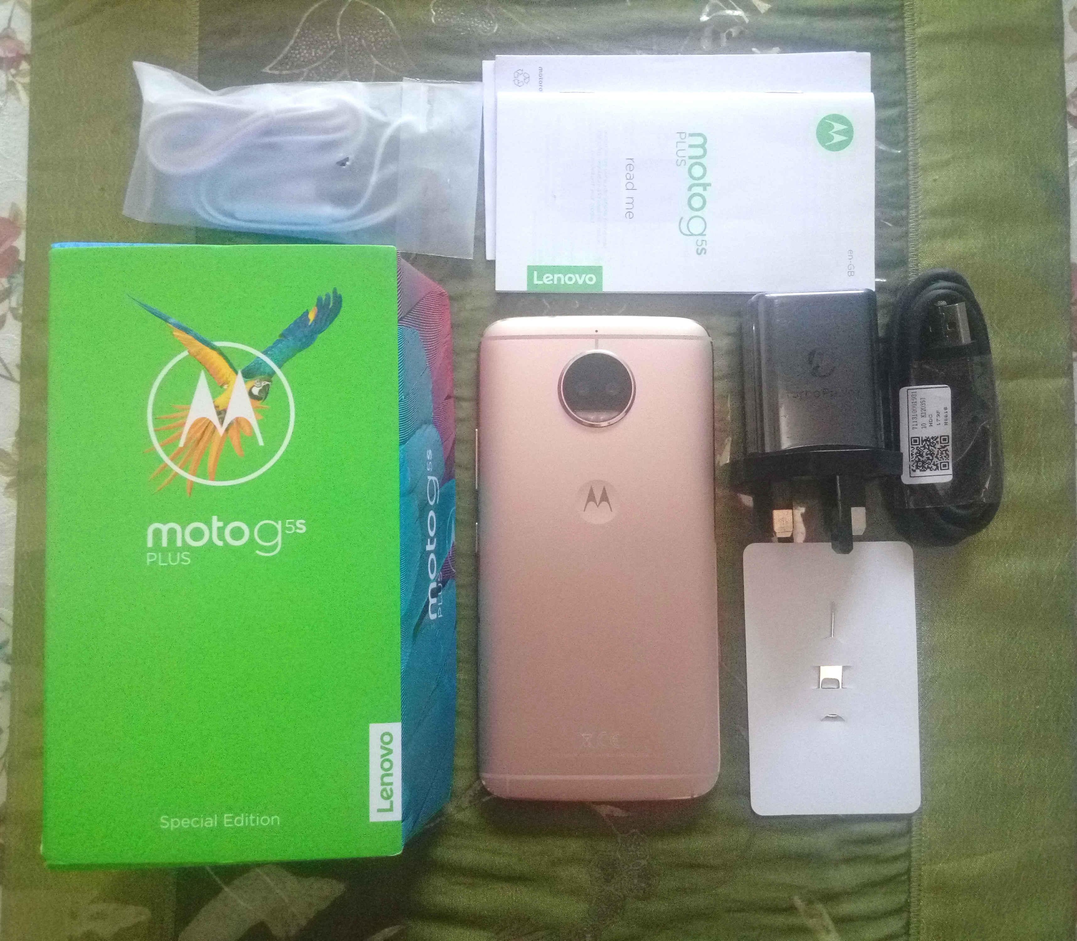 Unbox Motorola G5S Plus