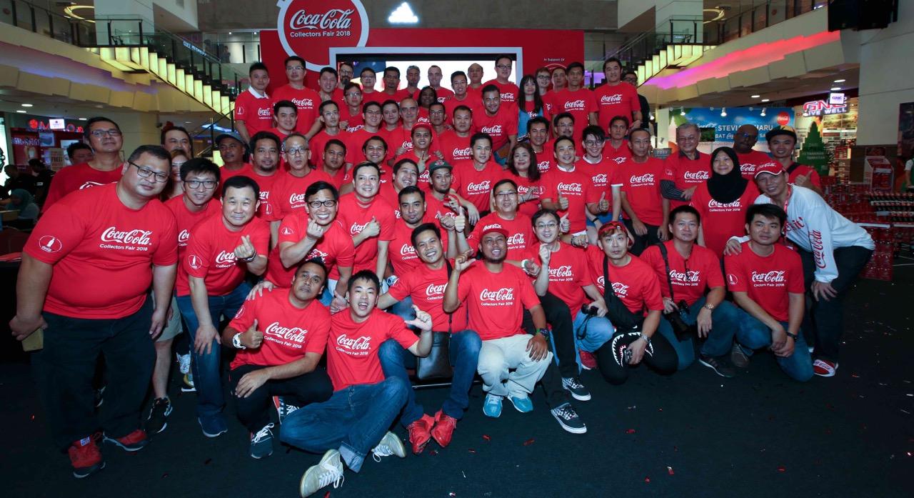 70 pengumpul dari 13 buah negara mengambil bahagian dalam Coca-Cola Collectors Fair 2018 di Berjaya Times Square