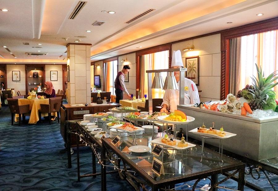 Bufet Makan Tengahari di Club Lounge Grand BlueWave Hotel Shah Alam