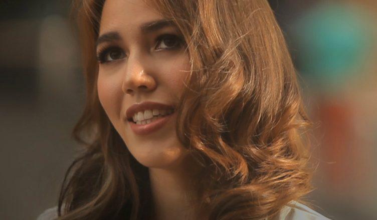 Sophia 'Menanti Cinta' single cover