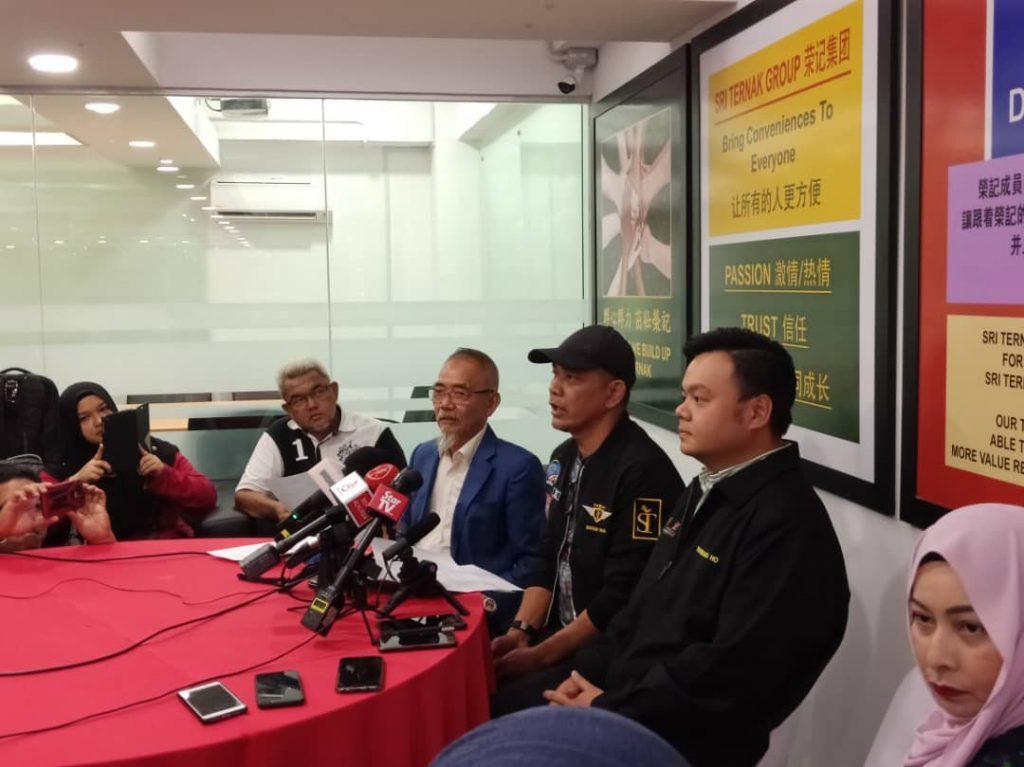 Sidang media yang menjelaskan Datuk Rosyam sebagai pemilik bersama ST Rosyam Mart