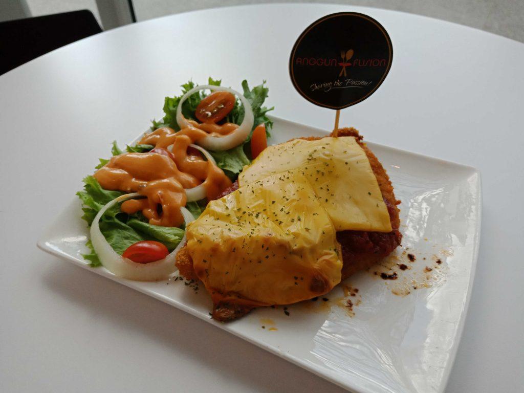 Chicken Parmigiani