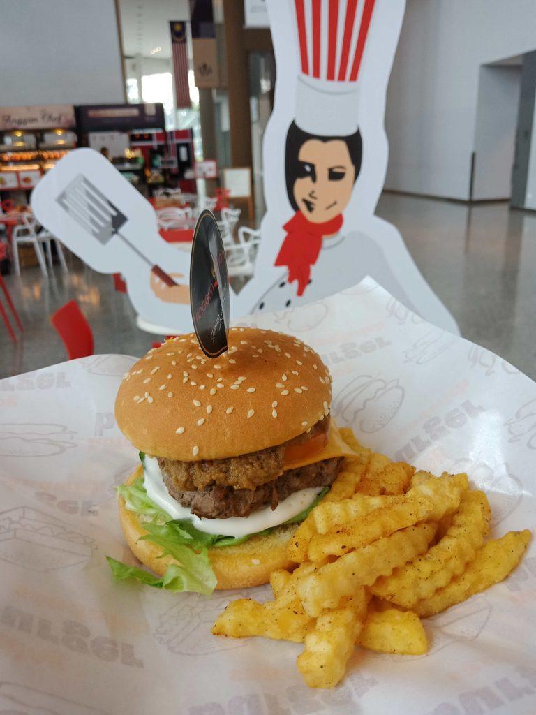 Rendang Peanut Butter Beef Burger (RM14.00)