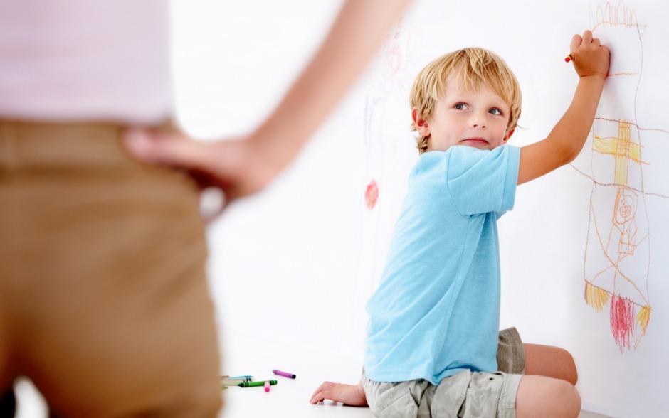 Trik Bijak -Menghilangkan contengan si kecil