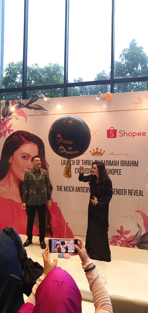 Che Puan Sarimah Ibrahim bersama suaminya Yang Mulia Tunku Nadzimuddin Tunku Mudzaffar