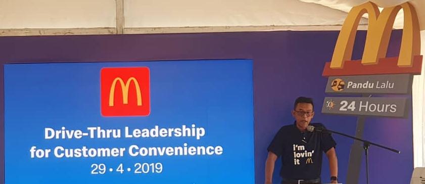 McDonald's Drive-Thru - Pengarah Urusan dan Rakan Operasi Tempatan McDonald's Malaysia Azmir Jaafar -