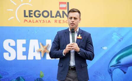 Kurt Stocks, General Manager at LEGOLAND® Malaysia Resort sharing on how the opening of SEA LIFE Malaysia makes LEGOLAND® Malaysia Resort a one-stop destination for families.