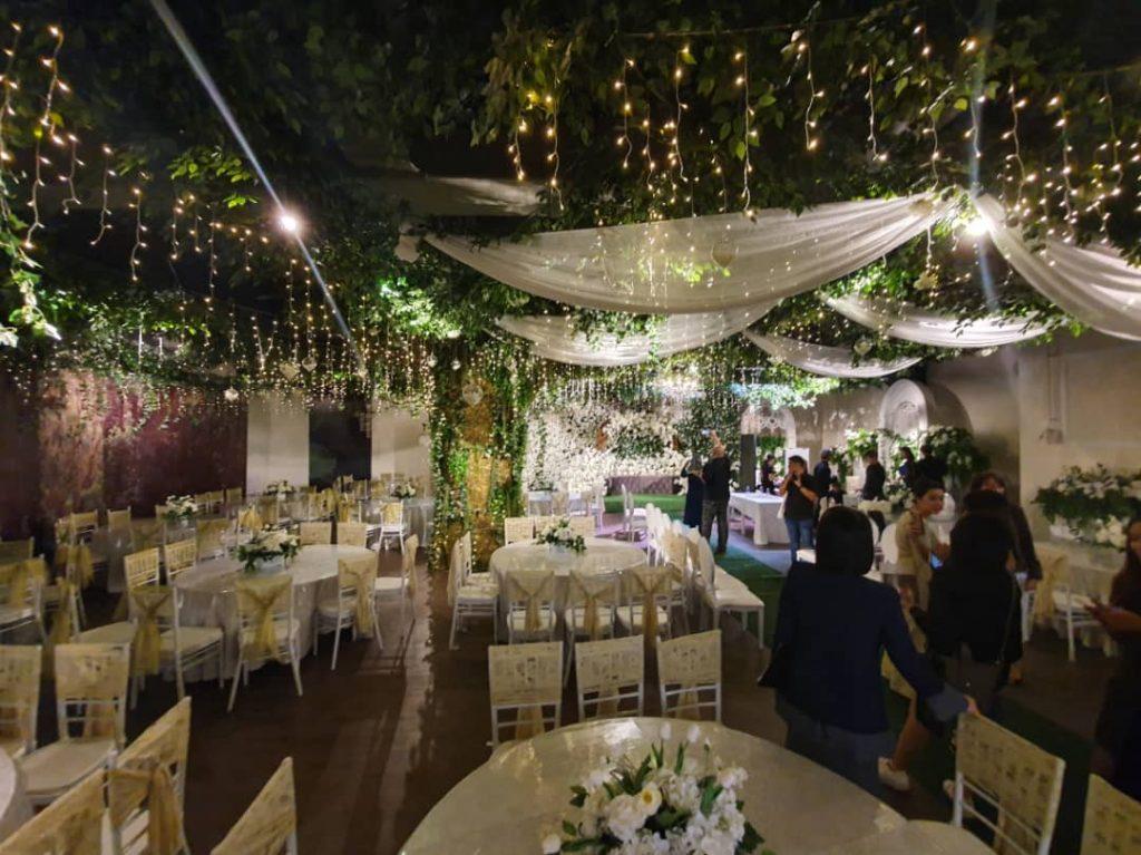 Garden Hall yang berlatar suara deruan air dan kicauan burung