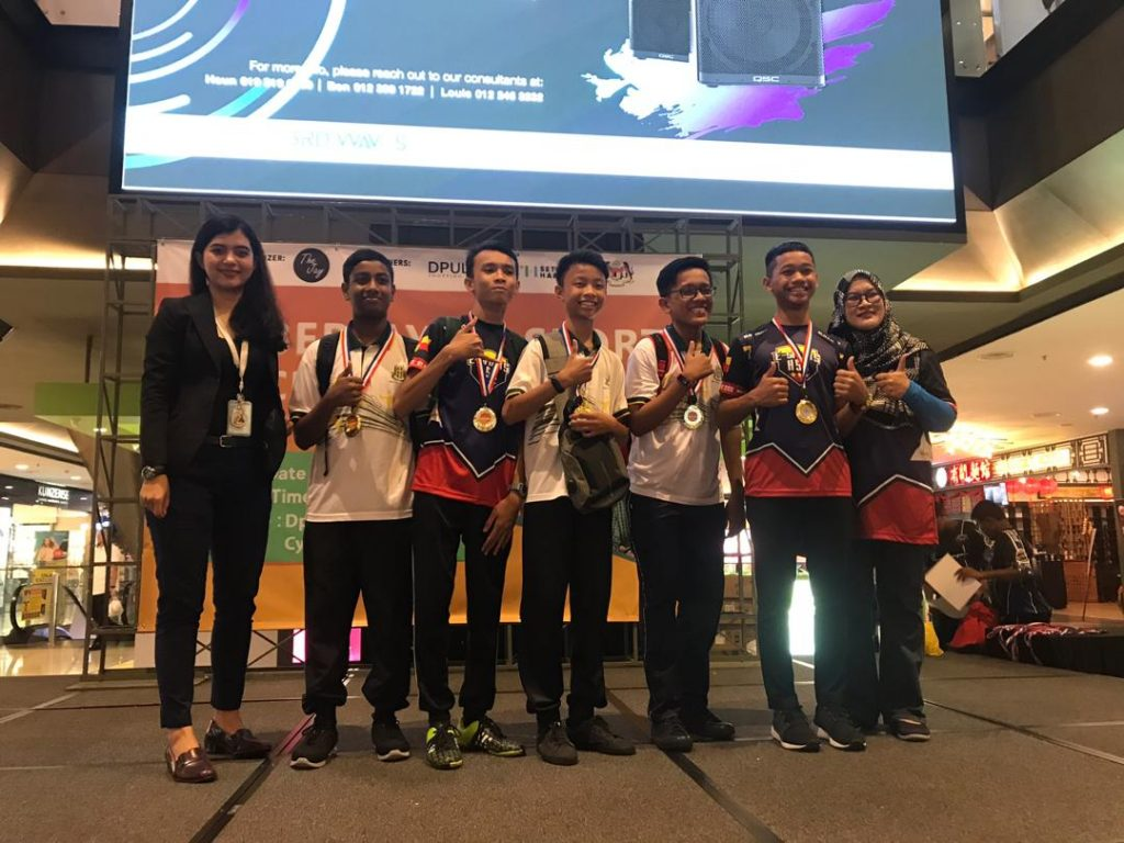 E-sukan Cyberjaya - Pemenang Kategori Bawah 15 & 17 Tahun dari Sekolah Menengah Tinggi Klang