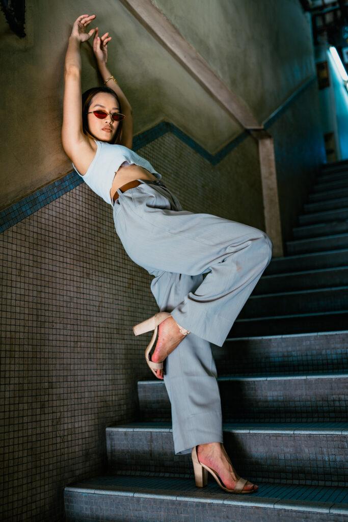SYA artis wanita pertama yang menandatangani kontrak dengan Def Jam Asia Tenggara di ketika usianya 23 tahun.